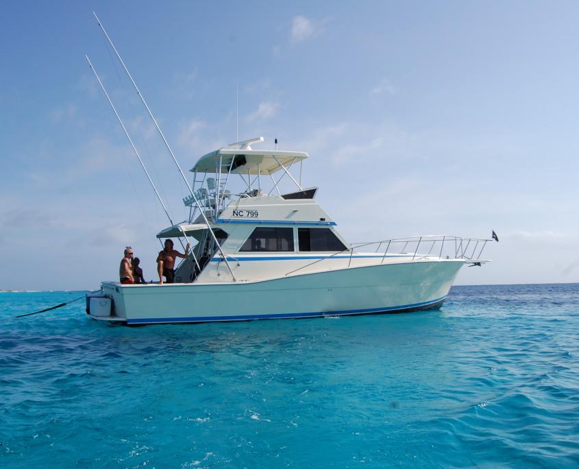 Bar Four Yacht