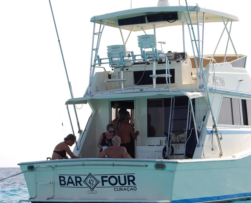 Charter yacht Bar Four from Behind